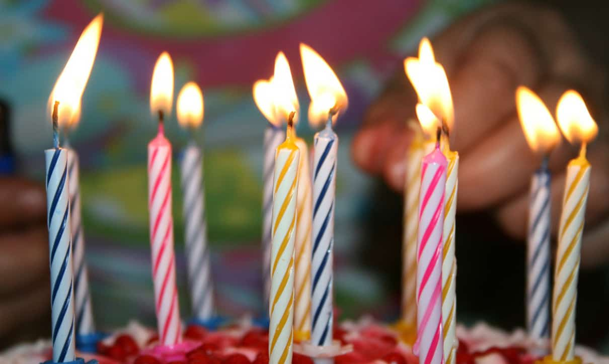 Organizing a Kid's Birthday Party on a Shoestring can still become spectacular! Here are some tips to help you do it with a little budget. #kidsbirthdayparty #kidsparty #birthday