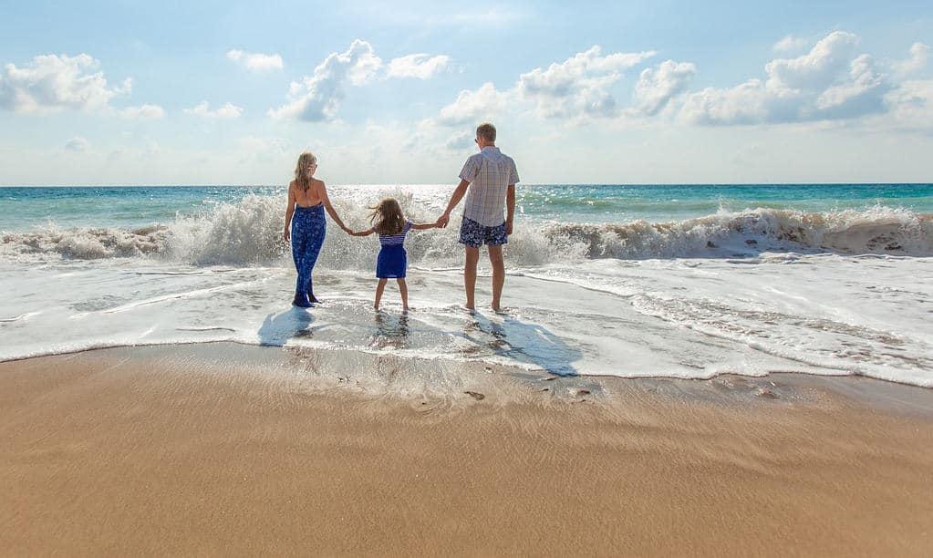 6 Fun Activities Everyone Should Enjoy at the Beach 7