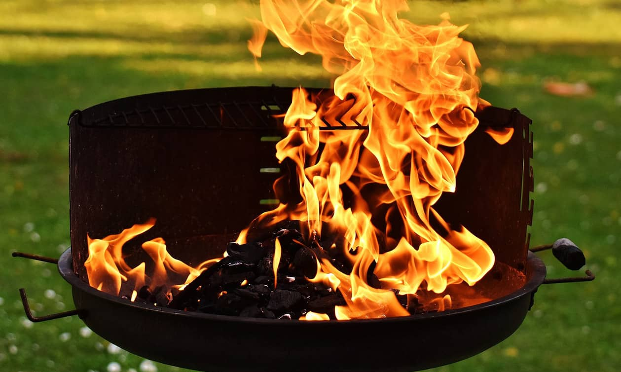 Here are 30+ campfire recipes worth making. I've included campfire recipes for kids and campfire recipes desserts too.
