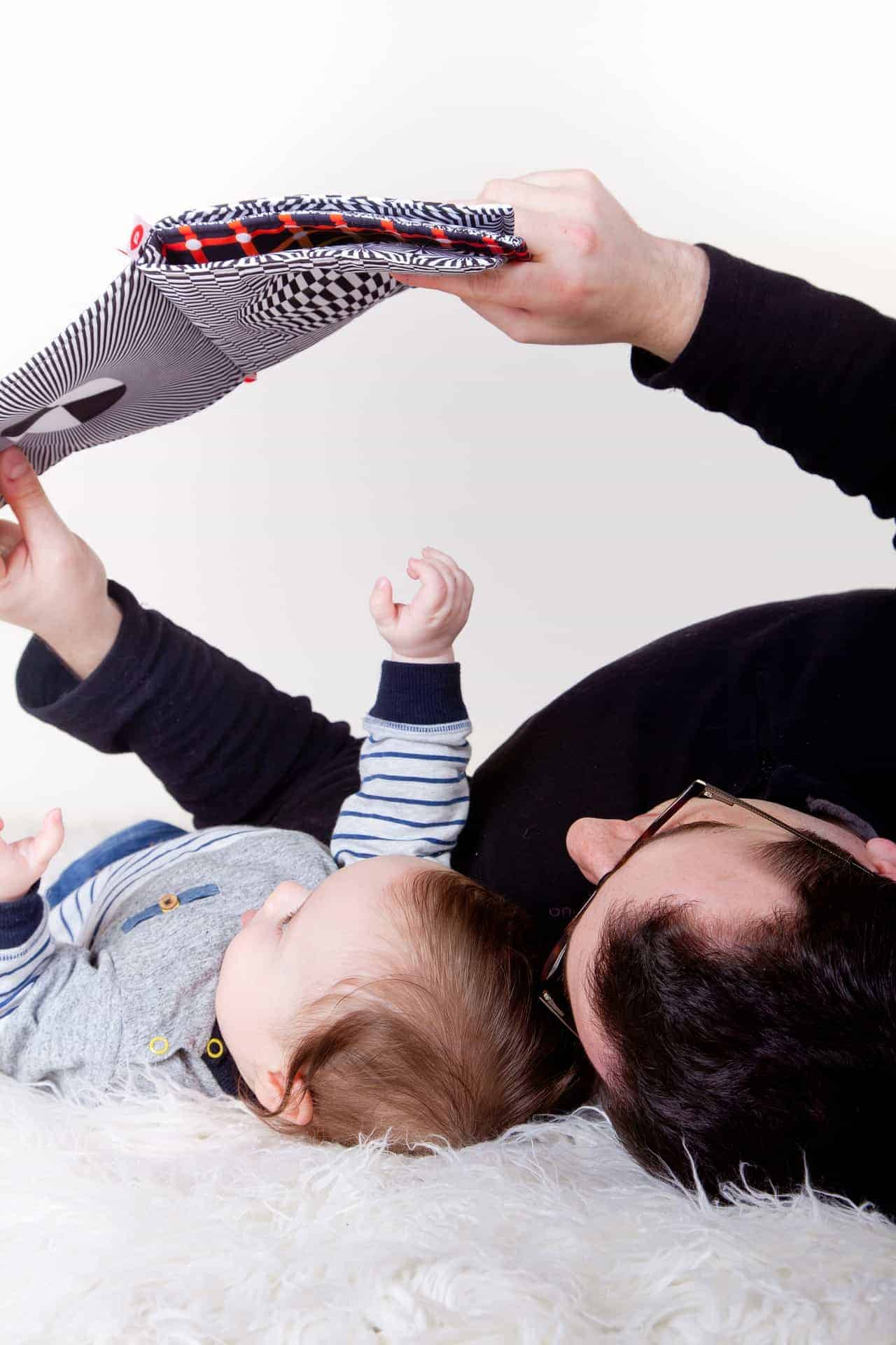 Being a first time dad can be overwhelming! Here is some of the top advice for first time dads to help make your journey easier. #parenting #advicefordads #parentingadvice #sharinglifesmoments