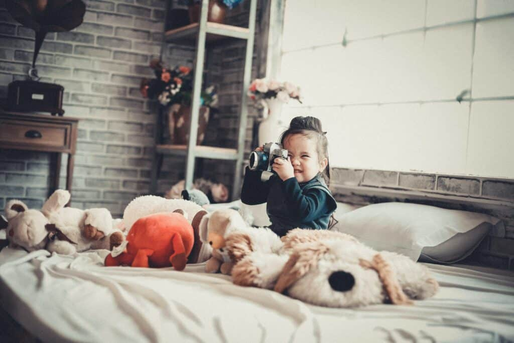 There's nothing quite as memorable as your childhood bedroom. Help make your kids' rooms one worth remembering with these design tips. #homemakeover #home #sharinglifesmoments