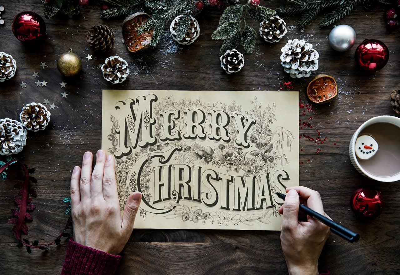 Here are a few things you can do to keep yourself feeling merry and mellow this Christmas and help reduce Christmas stress. #Christmas #stressreducer #sharinglifesmoments #selfcare